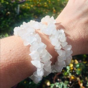 Jewelry - Natural quartz Clear White chip necklace